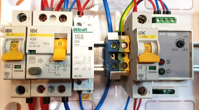 Что выбрать: устройство защитного отключения и дифференциальный автомат?