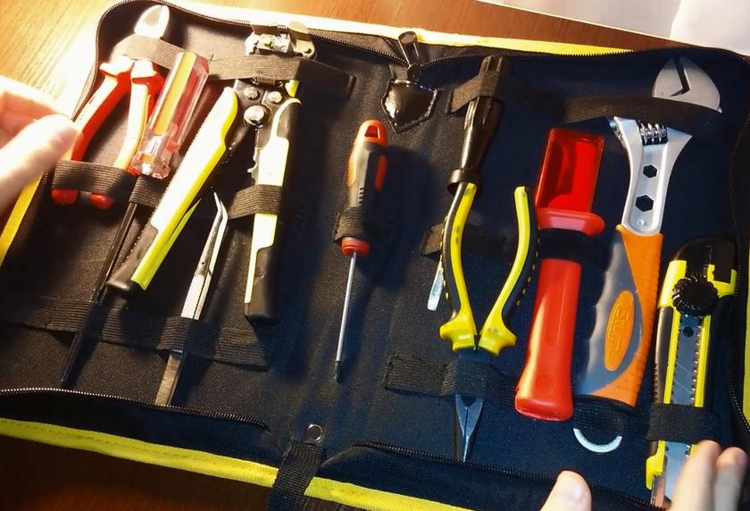 набор электромонтажных инструментов