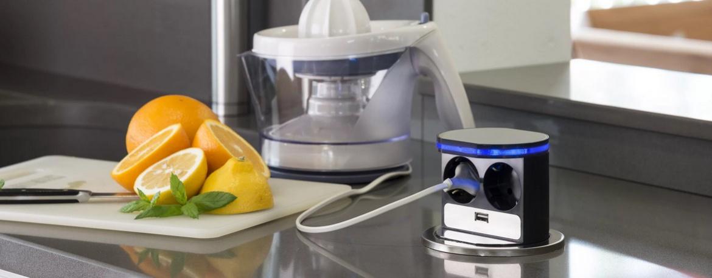 Розетки скрытой установки – отличная идея для кухни